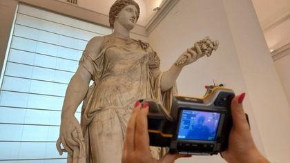 Musei, i colori originali dell'Ercole Farnese e della Venere presto visibili in digitale