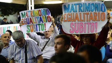 Unioni civili, ecco il testo del ddl che Matteo Renzi vorrebbe far votare entro il 15 ottobre