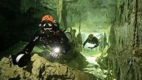 Scoperta in Messico la grotta allagata più lunga al mondo: 347 chilometri di reperti archeologici