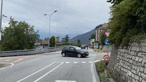 """Verbania, le proteste di Zoverallo: """"Strada poco sicura e mancano parcheggi"""""""