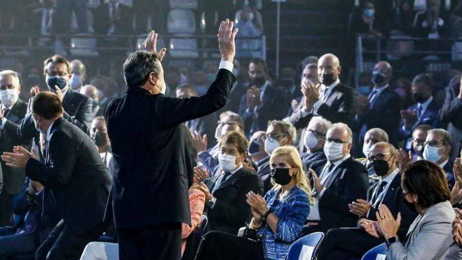 Gli applausi a Draghi ieri all'assemblea di Confindustria