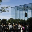 Apple riapre il ''cubo'': lo store della Fifth Avenue