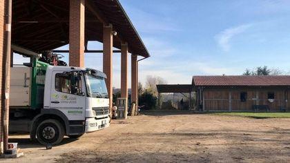 Milano, nuovo furto in Cascina Biblioteca: dopo le selle, rubato camion per la manutenzione del verde