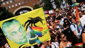 Ungheria, migliaia di persone in marcia al Gay Pride di Budapest. Protesta contro Orban
