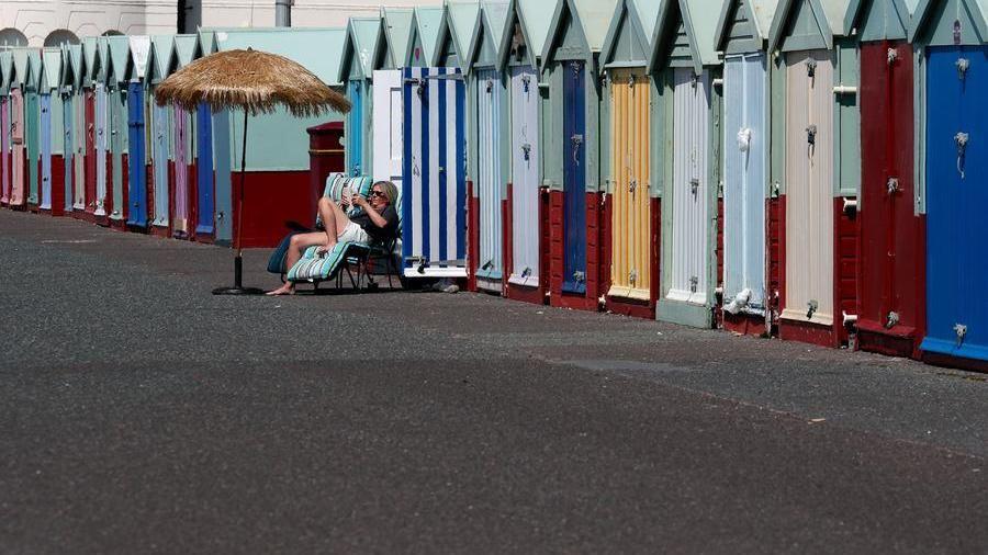 Πάρα πολλές μολύνσεις στην Ευρώπη, το Λονδίνο θα μπλοκάρει τις διακοπές