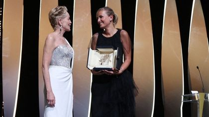 Cannes, gaffe di Spike Lee svela la Palma: 'Titane'. Standing ovation per Bellocchio