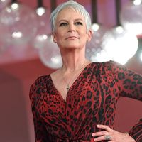 Venezia, la lady d'argento Jamie Lee Curtis conquista la Mostra