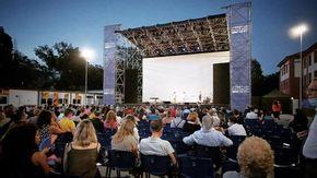 """Cinema all'aperto d'estate, bilancio in chiaroscuro: """"Ma con il green pass l'affluenza è cresciuta"""""""