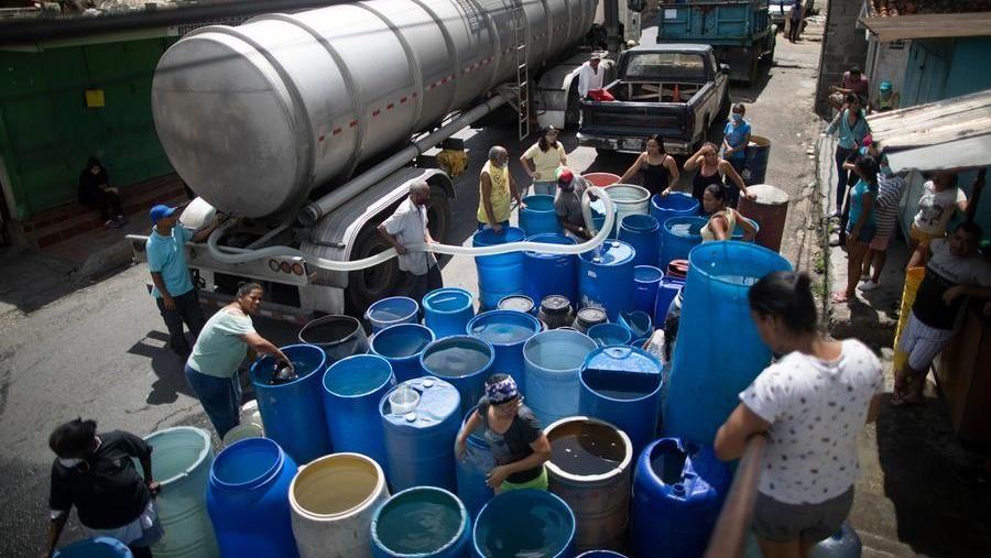 Case pignorate per pagare l'acqua, negli Usa il suo costo è ...