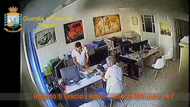 Micro corruzione, la vera piaga italiana: ogni otto ore un caso di mazzette e favori illeciti