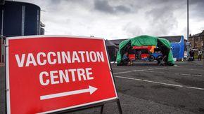 """Covid, in Gran Bretagna con i vaccini """"evitati 60 mila morti e 22 milioni di contagi"""""""