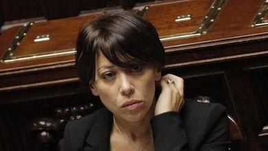 Caso De Girolamo, l'imbarazzo del Pd<br /> Servono le dimissioni per evitare la conta