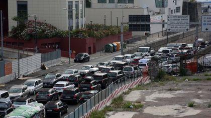 Imbarchi ai traghetti, lunghe file in uscita all'autostrada a Genova