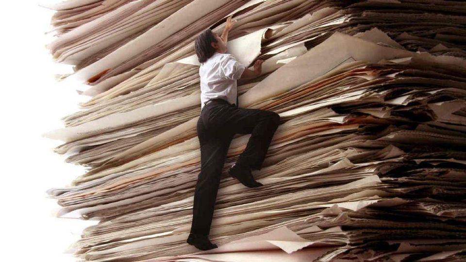 Burocrazia, siamo sommersi da 32mila pagine di norme all'anno