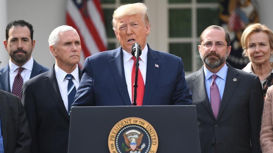 Risultato immagini per Trump e il coronavirus immagini