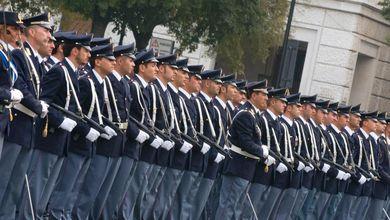 «Noi, aspiranti poliziotti. Vincitori del concorso, restiamo fuori per colpa della Lega»
