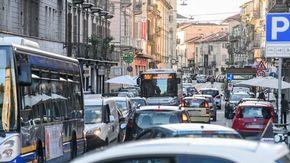Via San Donato adesso sogna il senso unico