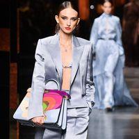 Fendi alla Milano Fashion Week: la collezione primavera estate 2022 è il debutto live di Kim Jones