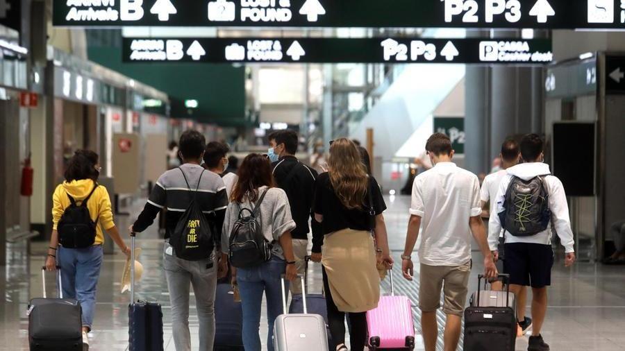 Turismo 3 Milioni Di Visitatori In Meno Ma A Torino Torna La Tassa Di Soggiorno La Stampa