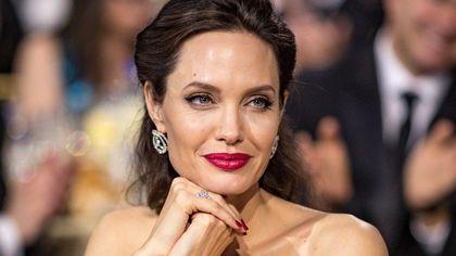 Angelina Jolie: 46 anni e una bellezza indipendente dall'età