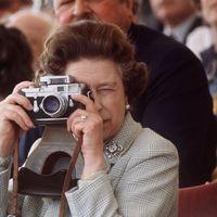 Elisabetta II: 95 anni di età e una grande passione per la fotografia