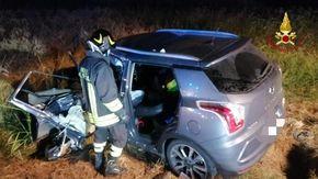 Scontro fra due auto nella notte a Villarboit, grave un trentunenne vercellese