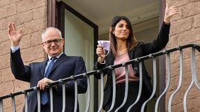 """Gualtieri si insedia in Campidoglio, Raggi passa le consegne. Il neo sindaco: """"Inizia una nuova stagione per Roma"""""""