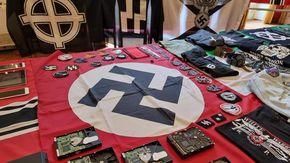 Chat neonaziste e antisemite, bandiere delle SS e un tripudio di svastiche: 4 denunciati a Torino