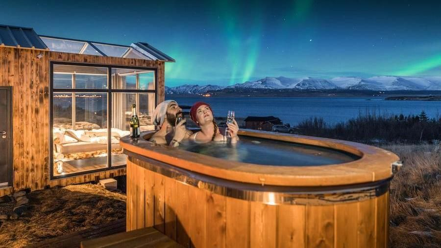 A glass cabin for social isolation: here are the post coronavirus holidays