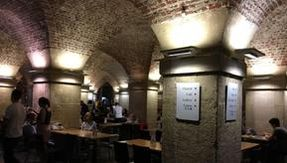 Toast in a crypt: this is what is hidden under a church in London