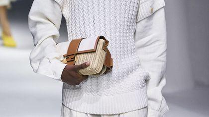 La  borsa di paglia: beige e genderless