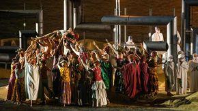 Aida e Radamès prigionieri nell'oleodotto
