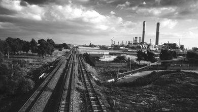 Raffineria di Gela, la perizia che accusa l'Eni: «Quell'operaio è morto per l'esposizione all'amianto»