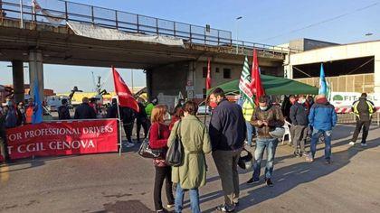 Genova, varchi portuali chiusi da sciopero del comparto logistica