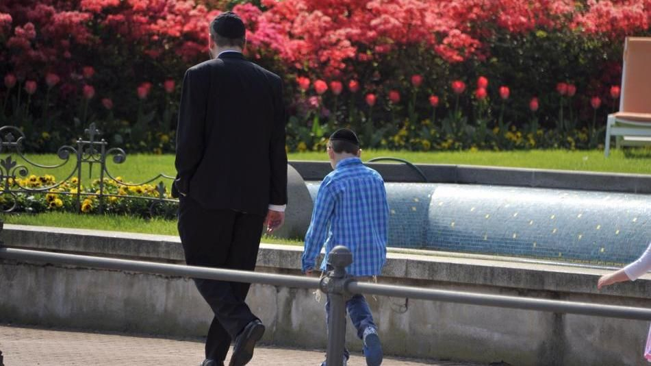 Cinquecento ebrei ortodossi festeggiano la Pasqua sul Lago