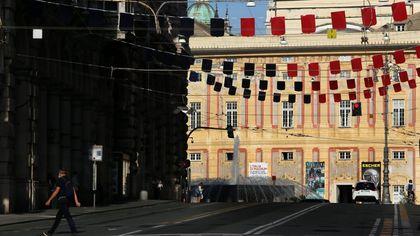 Genova colorata di rossoblù per il compleanno del Genoa