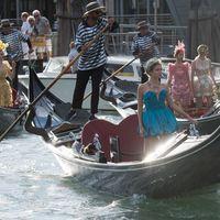 L'Alta Moda di Dolce&Gabbana sbarca in Laguna con uno show memorabile. Tra star, saltimbanchi, temporali a sorpresa e arcobaleni