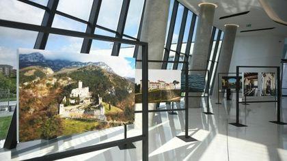 Banca Generali apre la torre Hadid al pubblico: in mostra gli scatti sull'Italia meravigliosa