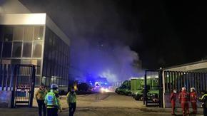 Incendio al magazzino di Amazon a Milano.