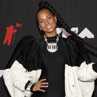 Alicia Keys ci porta nel Mondogenius di Moncler, uno show digitale inedito