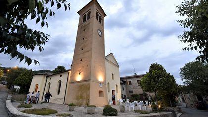 Nuova luce nella chiesa di Castione Baratti in ricordo di don Avanzini