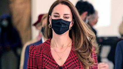 Kate Middleton, regina di eleganza con orecchini da 13 euro