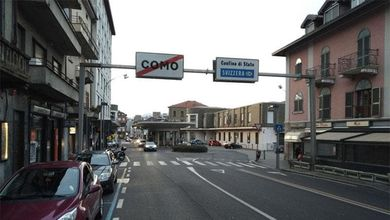 «In Svizzera lavoratori italiani costretti a dormire su brandine per impedire il contagio»<br />
