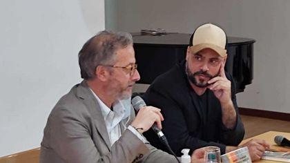 """Marco D'Amore presenta il suo romanzo, """"Vesuvio"""", alla Feltrinelli di piazza dei Martiri"""