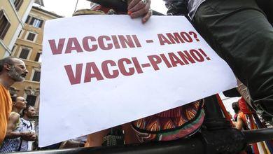 Dal dottore sciachimista alla mamma no vax: una giornata tipo nella nuova Italia sovranista