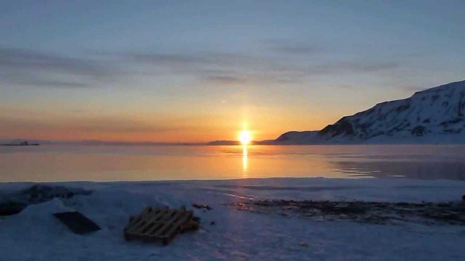 Nella Città Norvegese Dove Il Sole Non Tramonta O Non Sorge