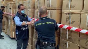 """Coronavirus, vendute come """"mascherine chirurgiche"""" ma non lo erano: sequestro da 5,8 milioni a Roma"""