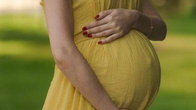 Nella Grecia del turismo procreativo, dove la maternità surrogata è legale per tutti<br />