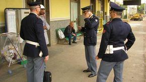 Colpito da un daspo urbano, continua ad arrecare disturbo in stazione ad Arquata: denunciato
