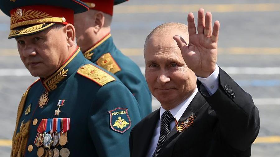Russia, via al referendum che permetterà a Putin di restare al ...